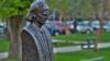 Un bust al poetului Grigore Vieru a fost dezvelit la Cahul