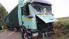 Accident teribil! Un camion a intrat într-o mulţime de oameni şi a lovit un autobuz cu pasageri