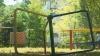 Viaţa copiilor, ÎN PERICOL! Mai multe terenuri de joacă din Chişinău au fost transformate în ruine