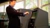 REVOLUŢIONAR: Cum vom scoate bani de la bancomat cu telefonul mobil (VIDEO)