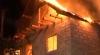 ALERTĂ la Străşeni! O locuinţă în care se aflau doi minori a fost cuprinsă de flăcări