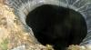"""Noi imagini şi detalii despre misteriosul crater apărut din senin """"la capătul lumii"""" (VIDEO/FOTO)"""