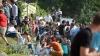 Consulatul României la Chişinău, luat cu asalt de tineri care visează să studieze peste Prut (VIDEO)