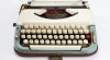 Maşinile de scris, folosite mai nou în Parlamentul german. Comisia de securitate renunţă la calculatoare