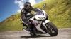 """Accident bizar. O motocicletă """"picată din cer"""" a făcut haos pe o şosea (VIDEO)"""