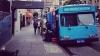 Ajutor INEDIT: Au transformat câteva autobuze în duşuri pentru oamenii străzii