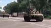 Întăriri la Doneţk! O coloană de blindate şi camioane a fost surprinsă pe străzile oraşului (VIDEO)