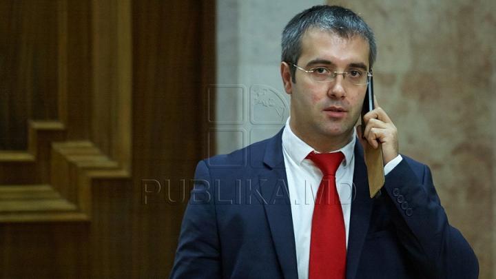 Sergiu Sîrbu îl va înlocui pe Andrian Candu în funcţia de vicepreşedinte al Parlamentului