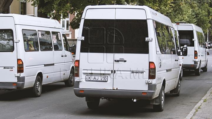 OFERTĂ FIERBINTE. Un şofer de maxi-taxi îşi vinde afacerea ce aduce venit zilnic (FOTO)