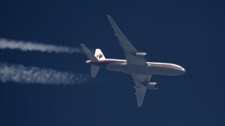 Un jurnalist britanic a publicat o poză făcută de satelit la locul prăbuşirii avionului Malaysia Airlines în Ucraina (FOTO)