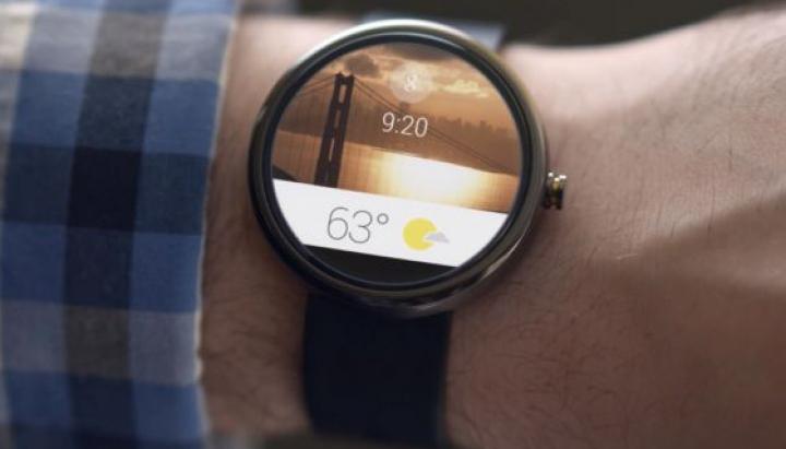 O nouă demonstraţie a INCREDIBILULUI Moto 360. VIDEO cu cel mai inovativ gadget din 2014