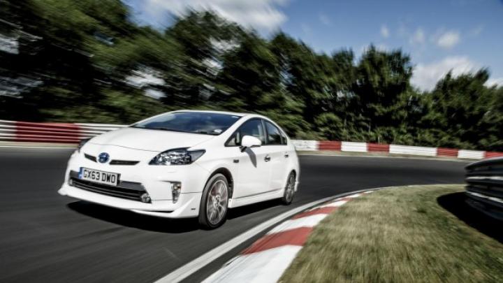 Record nipon pe Iadul Verde! Toyota Prius Plug-in Hybrid a înregistrat cel mai mic consum pe Nurburgring (VIDEO)