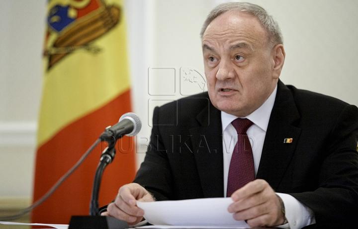 Nicolae Timofti a desemnat patru femei în funcţii de judecători