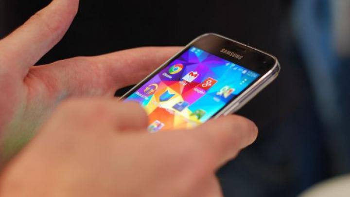 VIRAL! Samsung râde de fanii iPhone în noua sa reclamă (VIDEO)