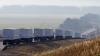 Grănicerii ucraineni au început verificarea primelor camioane ruseşti care transportă ajutor umanitar