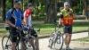 Gest nobil al unei tinere. Ce a făcut voluntara pentru bicicliştii din capitală