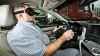 Record mondial: EL este cel mai rapid şofer orb din lume (VIDEO)