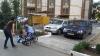 O maşină a Ministerului de Interne, parcată ca să împiedice circulaţia cetăţenilor (FOTO)