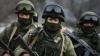 """Zeci de """"omuleţi verzi"""" au apărut în estul Ucrainei, iar mai mulţi soldaţi ruşi au pătruns în oraşul Amvrosiivka"""