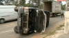 Patinaj pe şosea în plină vară. O maşină s-a răsturnat în sectorul Botanica din cauza hameiului scurs pe şosea