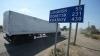Camioanele cu ajutoare umanitare nu se întorc goale în Rusia. Bombardamentele continuă în Doneţk şi Lugansk