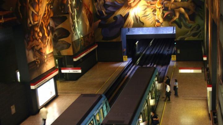 O pană uriaşă de curent a blocat zeci de mii de oameni în metroul din Santiago, Chile