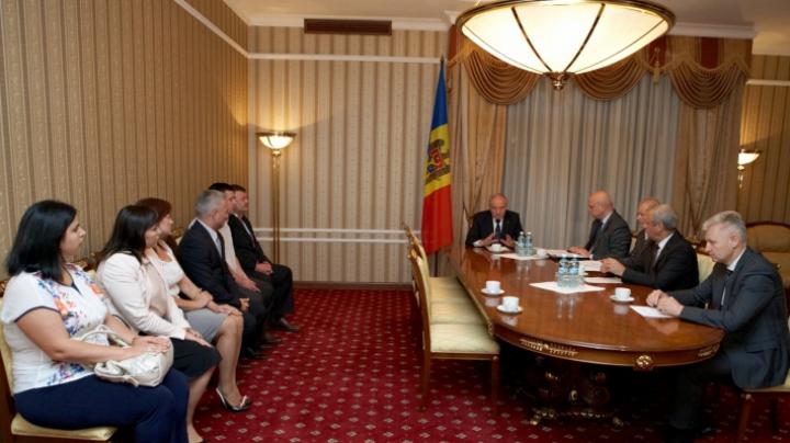 Nicolae Timofti a semnat numirea în funcţie a şase judecători noi