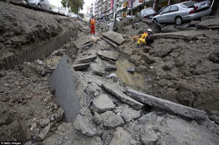 Imagini APOCALIPTICE. Cum arată un oraş din Taiwan după explozia unei conducte de gaz (FOTO/VIDEO)