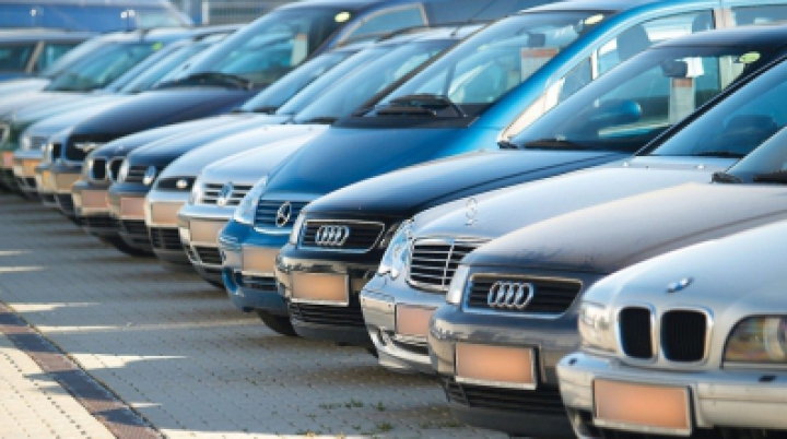 Rusia ar putea institui un embargo asupra importurilor de maşini din SUA şi UE