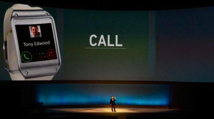 Samsung a lansat un smartwatch care funcționează și ca telefon mobil