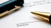 Un notar din Donduşeni, învinuit că a autentificat ilegal un contract de vânzare-cumpărare a unei case de locuit