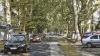 Un drum îngust din Chişinău le dă bătăi de cap locatarilor. Autorităţile spun că vor restricţiona circulaţia pe această stradă