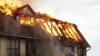 Incendiu de proporţii în capitală. Un bărbat și o femeie au ars de vii în propria locuință