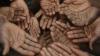 SCENE MACABRE în regiunea Donbas: Oamenii mor de foame în propriile case