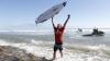 Sud-africanul Jordy Smith şi-a îngenunchiat rivalii din Campionatul Mondial de surfing (VIDEO)