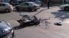 O motocicletă a fost lovită de un automobil: Un tânăr a murit, iar prietena sa a ajuns la spital