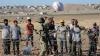 Prea mulţi refugiaţi, speriaţi de Statul Islamic: Turcia îşi închide frontiera cu Siria
