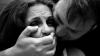 Nenorocire pentru o tânără din Chişinău. Doi bărbaţi au violat-o în mod pervers şi i-au aplicat lovituri de cuţit (VIDEO)