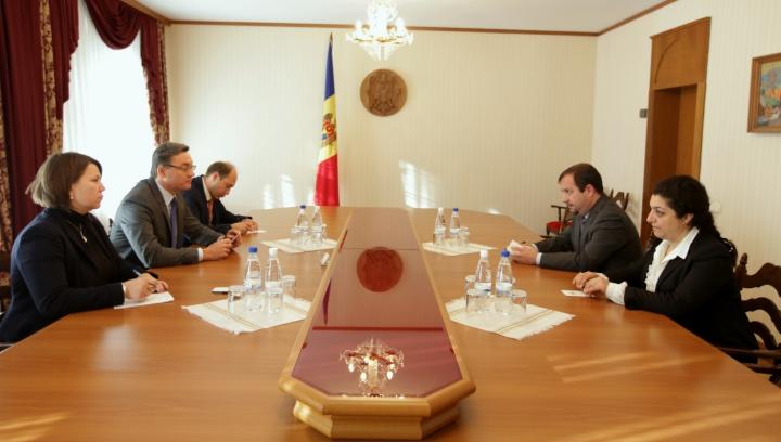 Igor Corman s-a întâlnit cu şeful misiunii FMI în Moldova. Ce subiecte au discutat oficialii