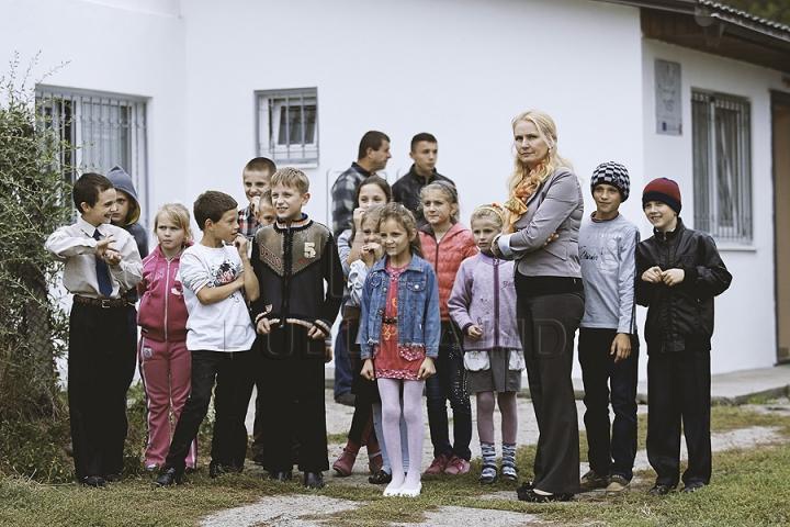 Constantin Ţuţu, la Băcioi. Cum i-a impresionat cel mai bun sportiv moldovean pe oamenii din localitatea de baştină (FOTO)