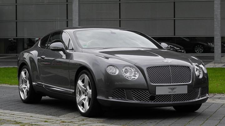 "În Rusia, un Bentley Continental GT a fost ""vopsit"" cu ciment (FOTO)"