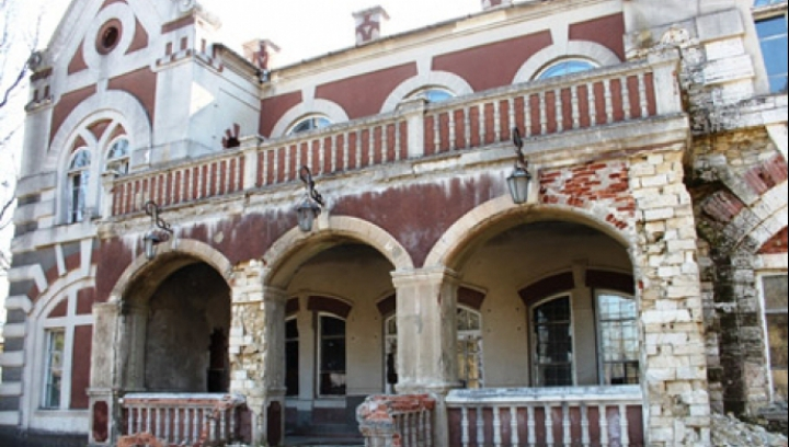 Casa-muzeu din Parcul Ţaul, tot mai aproape de finisare. Autorităţile speră că va deveni o atracţie pentru turişti