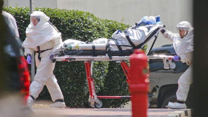 Un alt misionar catolic infectat cu Ebola a fost repatriat şi spitalizat în stare gravă la Madrid