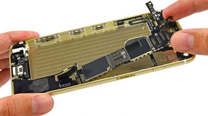 Profitul obţinut de Apple din vânzările iPhone 6 şi 6 Plus. Cât costă fabricarea noilor telefoane