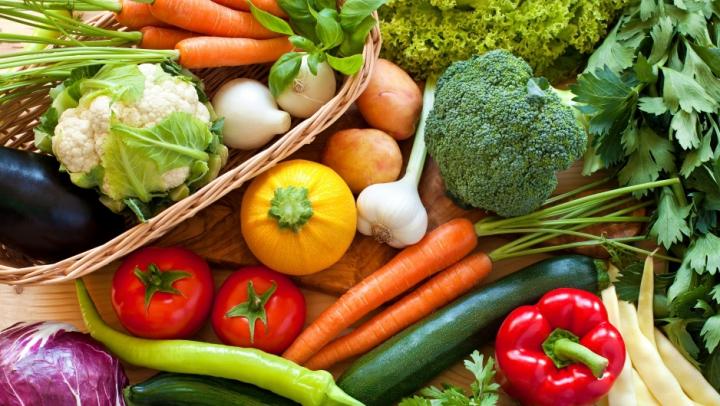 CINCI mituri vechi despre nutriţie. Care sunt de fapt cele mai bune alimente pentru sănătate?