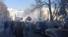 Proteste violente la Kiev! Manifestanţii aruncă petarde şi cocktailuri Molotov prin geamurile Radei Supreme