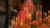 Zeci de creştini  au mers la biserică pentru a se închina Sfintei Fecioare Maria şi pentru a se ruga de sănătate