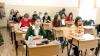 Şcolile din Chişinău au fost luate cu asalt de părinţi. Motivul, numărul mare de înscrieri în clasa întâi