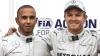 Mercedes a fost  cea mai puternică echipă a sezonului în Formula 1. Hamilton şi Rosberg celebrează împreună