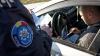 Mai mulți șoferi, trași pe dreapta de poliţişti. Un conducător auto s-a dat în spectacol (VIDEO)